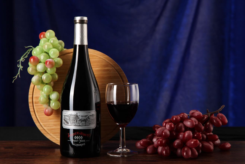葡萄酒进口外贸服务及经典产区酒标鉴赏